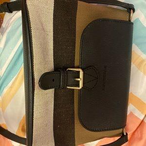 A cute Burberry crossbody handbag